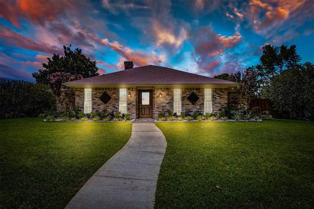 2012 Cherbourg Drive, Plano, TX 75075 (MLS #14656447) :: Real Estate By Design