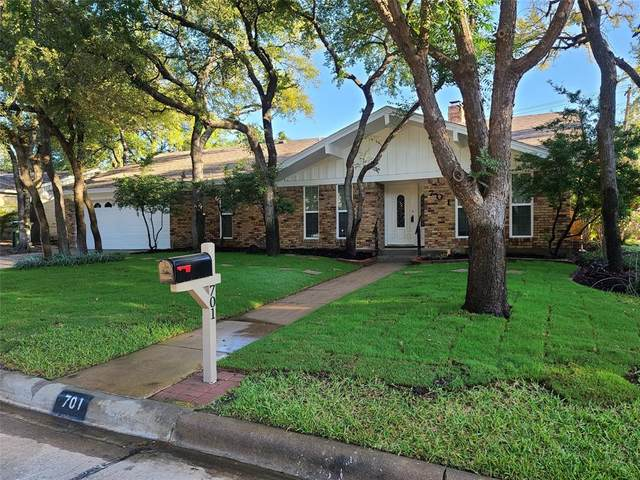 701 Kentwood Circle, Bedford, TX 76021 (MLS #14657015) :: The Chad Smith Team