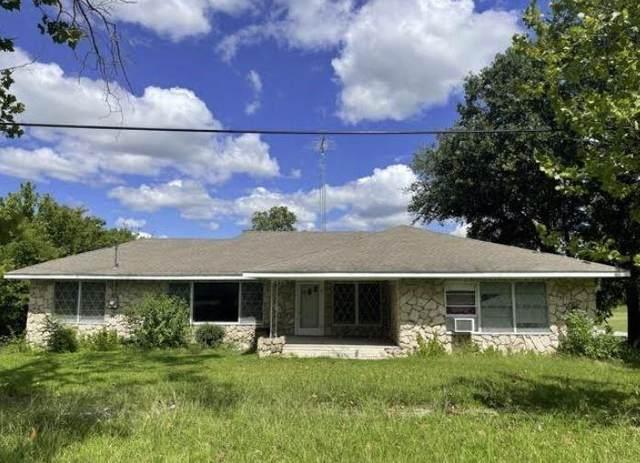 504 W Main Street, Wolfe City, TX 75496 (MLS #14657028) :: The Chad Smith Team