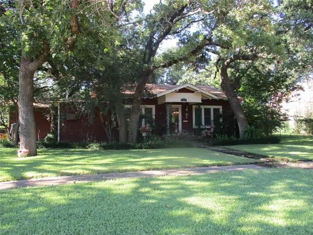 405 E Pershing Street, Eastland, TX 76448 (MLS #14657472) :: NewHomePrograms.com