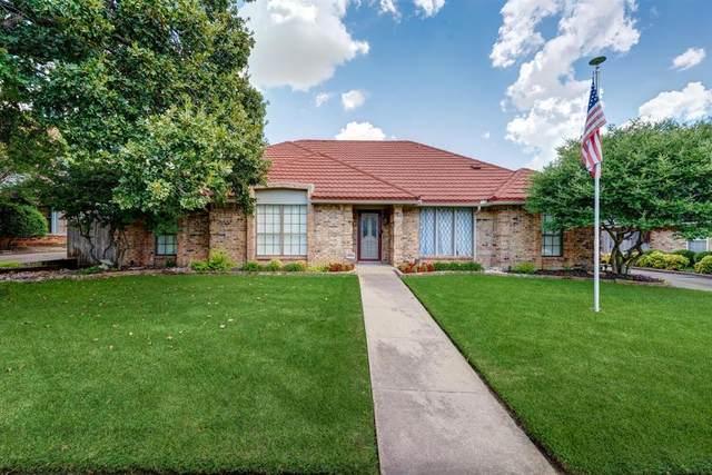 833 Saddlebrook Drive S, Bedford, TX 76021 (MLS #14657658) :: Real Estate By Design