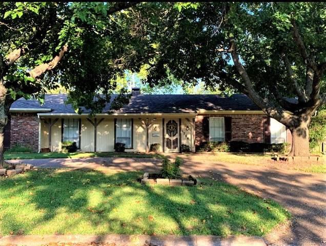1706 Westside Drive, Sherman, TX 75092 (MLS #14658505) :: Real Estate By Design