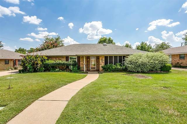 4613 Saldana Drive, Fort Worth, TX 76133 (MLS #14658668) :: Maegan Brest | Keller Williams Realty