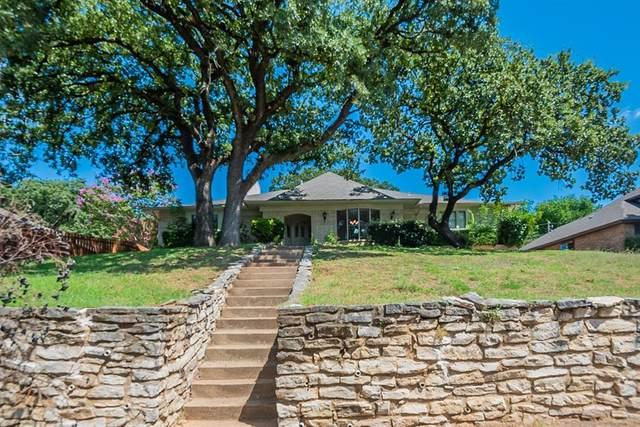 2609 Sunlight Drive, Arlington, TX 76006 (MLS #14659115) :: Frankie Arthur Real Estate