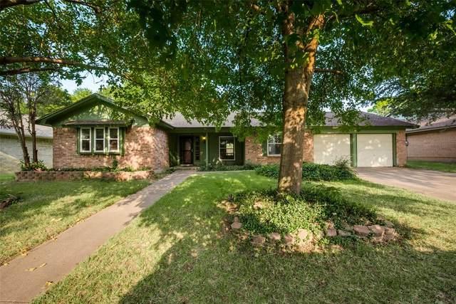 2209 Shady Park Drive, Arlington, TX 76013 (MLS #14659183) :: Robbins Real Estate Group