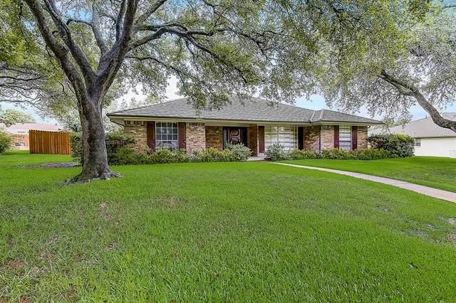 6916 Leameadow Drive, Dallas, TX 75248 (MLS #14659226) :: Real Estate By Design
