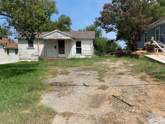 2215 W Bond Street, Denison, TX 75020 (MLS #14659368) :: Real Estate By Design