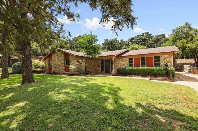 1129 Trailwood Drive, Hurst, TX 76053 (MLS #14659787) :: The Chad Smith Team