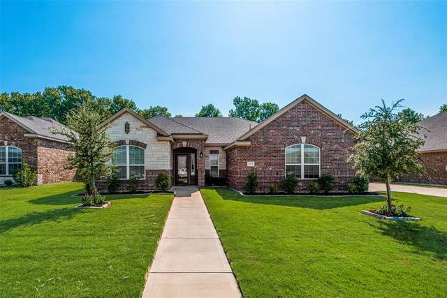 2004 Autumn Drive, Glenn Heights, TX 75154 (MLS #14659836) :: Real Estate By Design