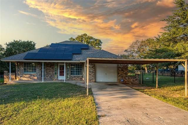 1740 Willow Wood Lane, Azle, TX 76020 (MLS #14659894) :: Jones-Papadopoulos & Co