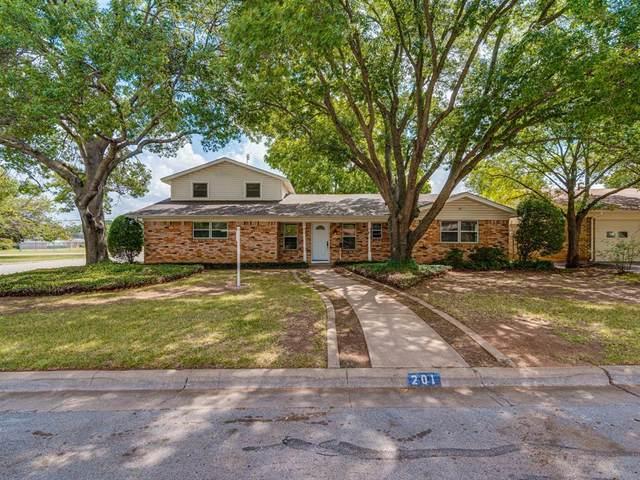 201 Teeter Drive, Crowley, TX 76036 (MLS #14660716) :: Real Estate By Design
