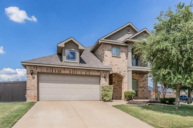 557 Vickie Street, Crowley, TX 76036 (MLS #14661133) :: Real Estate By Design