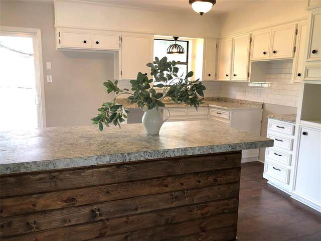 117 Bunker Hill Street, Comanche, TX 76442 (MLS #14661144) :: Craig Properties Group
