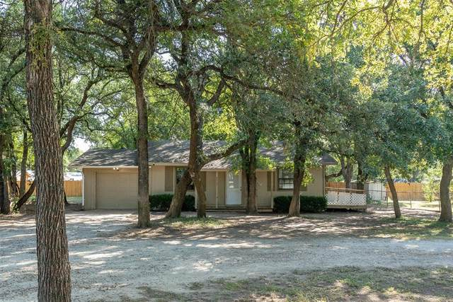 4313 Lucero Drive, Granbury, TX 76048 (MLS #14661283) :: The Krissy Mireles Team