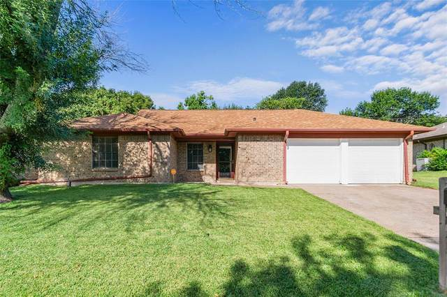 5811 Crestwood Circle E, North Richland Hills, TX 76180 (MLS #14661316) :: Real Estate By Design
