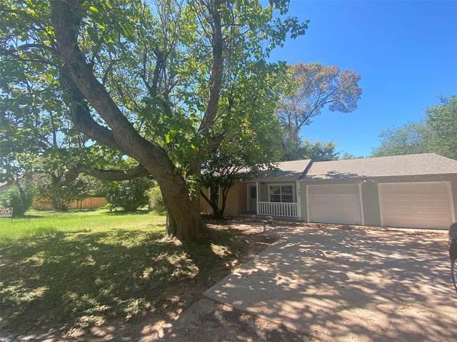701 Lipan Drive, Granbury, TX 76048 (MLS #14661896) :: VIVO Realty