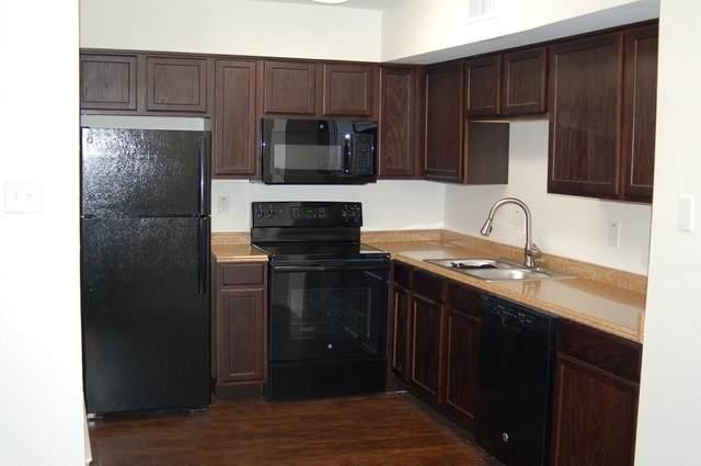 9807 Walnut Street #106, Dallas, TX 75243 (MLS #14663469) :: Real Estate By Design