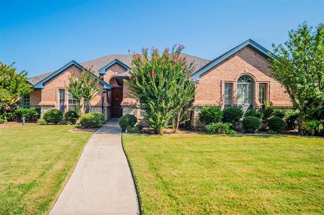 777 Trails End Circle, Hurst, TX 76054 (MLS #14663900) :: Real Estate By Design