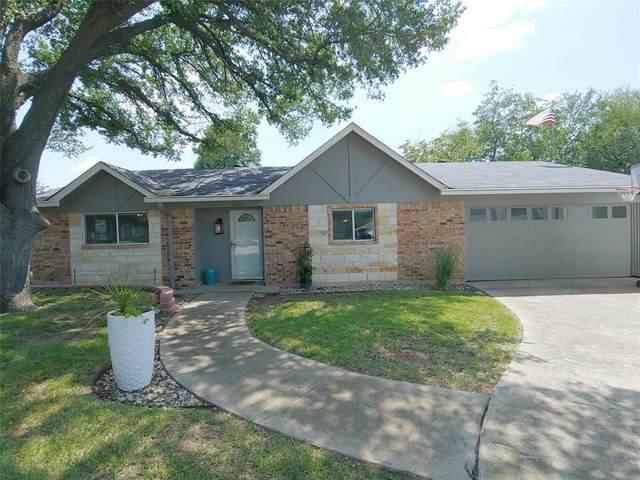 2100 Norfolk Drive, Arlington, TX 76015 (MLS #14663907) :: Real Estate By Design