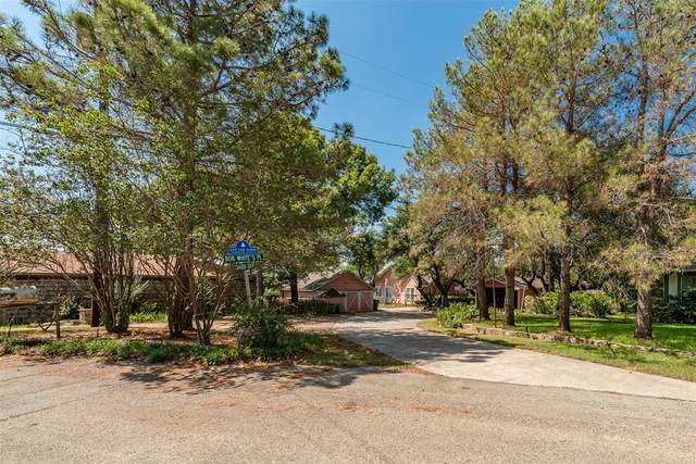 6817 Cahoba Court E, Fort Worth, TX 76135 (MLS #14663938) :: Premier Properties Group of Keller Williams Realty