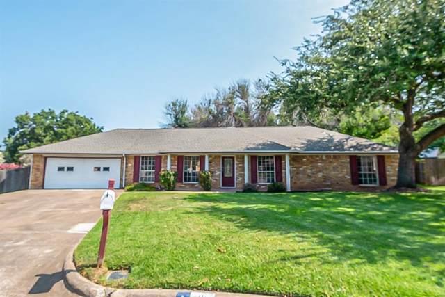 1303 Duxbury Court, Arlington, TX 76015 (MLS #14664531) :: Real Estate By Design