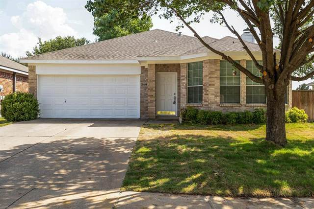 3404 Lasso Road, Fort Worth, TX 76262 (MLS #14664785) :: The Chad Smith Team