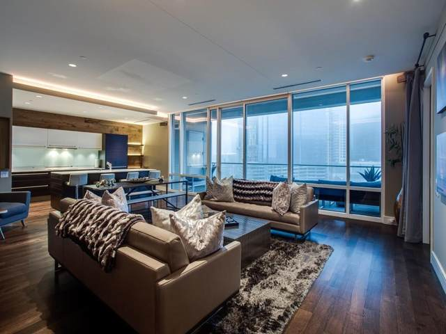 2408 Victory Park Lane #839, Dallas, TX 75219 (#14665096) :: Homes By Lainie Real Estate Group