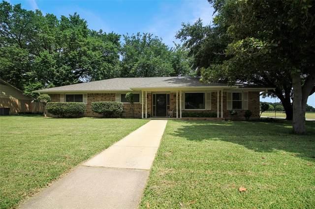 302 Magnolia Street, Denton, TX 76201 (MLS #14665668) :: The Mauelshagen Group