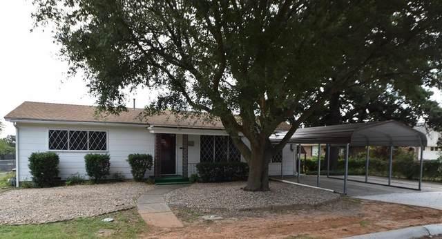 1138 W Swan Street, Stephenville, TX 76401 (MLS #14666527) :: Lisa Birdsong Group | Compass