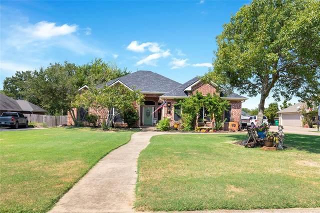 108 Jaron Drive, Pottsboro, TX 75076 (MLS #14666668) :: Real Estate By Design