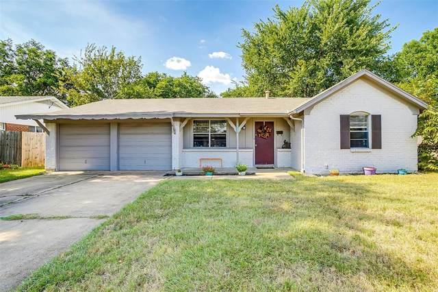 204 SW Thomas Street, Burleson, TX 76028 (MLS #14666722) :: Real Estate By Design