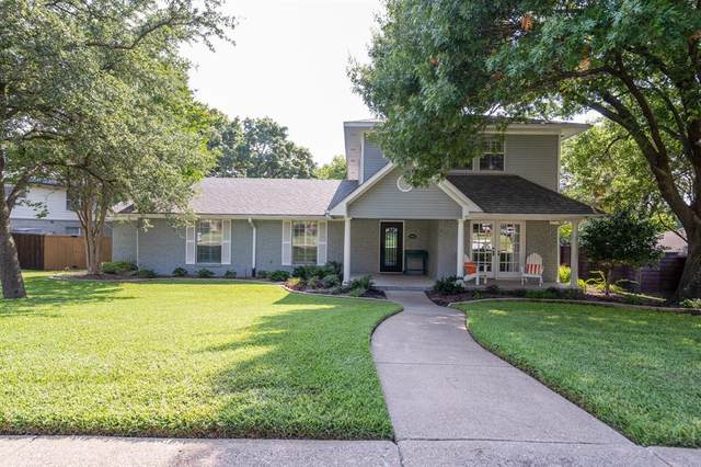 323 Meadowcrest Drive, Richardson, TX 75080 (MLS #14666990) :: Craig Properties Group