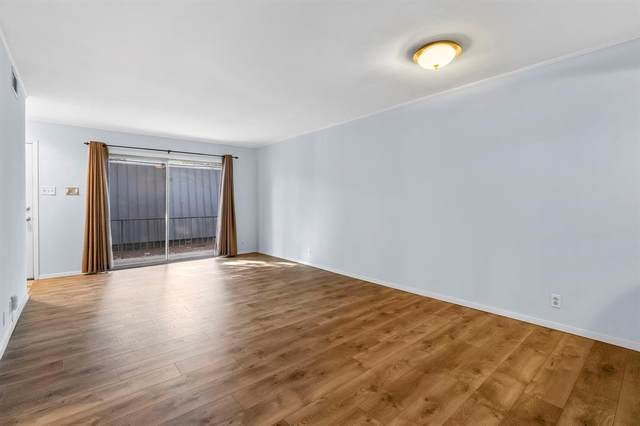 5234 Fleetwood Oaks Avenue #218, Dallas, TX 75235 (#14667308) :: Homes By Lainie Real Estate Group