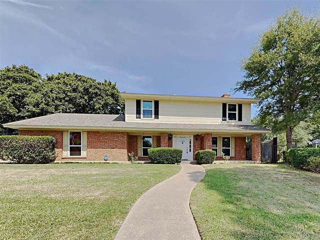 7605 Springcreek Court, Fort Worth, TX 76112 (#14667342) :: Homes By Lainie Real Estate Group