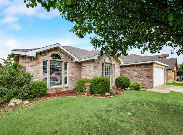 707 Bayshore Drive, Mansfield, TX 76063 (MLS #14667454) :: Real Estate By Design