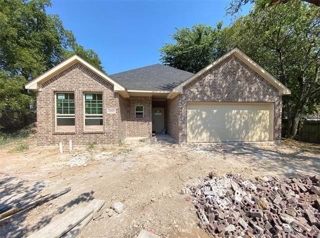 435 N Field Street, Cleburne, TX 76033 (MLS #14667551) :: Maegan Brest | Keller Williams Realty