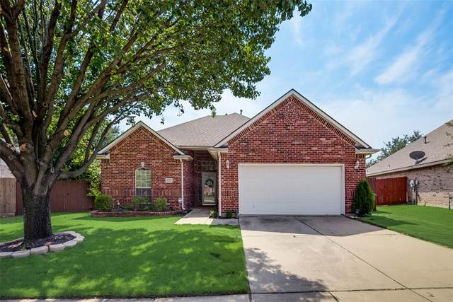 8308 Crystal Lane, North Richland Hills, TX 76182 (MLS #14667678) :: Real Estate By Design