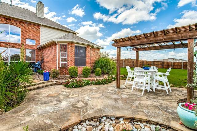 1004 Knightsbridge Drive, Frisco, TX 75036 (MLS #14667769) :: Real Estate By Design