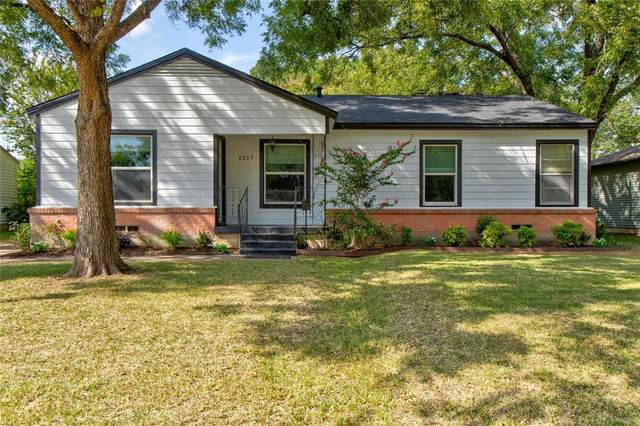 1217 W Lovers Lane, Arlington, TX 76013 (MLS #14667865) :: Lisa Birdsong Group | Compass