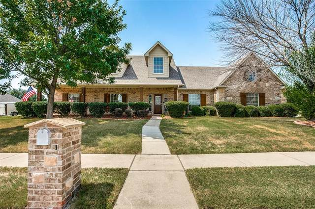 13625 Fishing Hole Lane, Fort Worth, TX 76052 (MLS #14667892) :: Russell Realty Group
