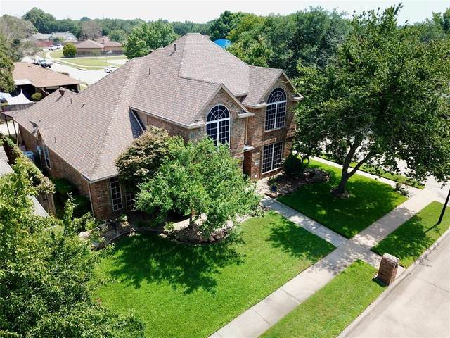 4000 Oak Grove Court, Flower Mound, TX 75028 (MLS #14668035) :: Real Estate By Design