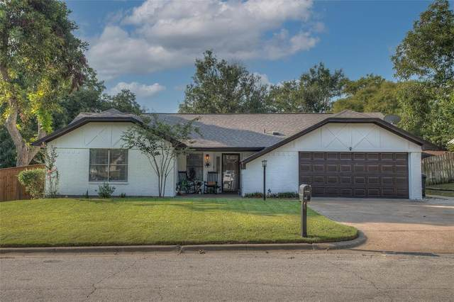806 Hilltop Drive, Weatherford, TX 76086 (MLS #14668204) :: The Star Team | Rogers Healy and Associates