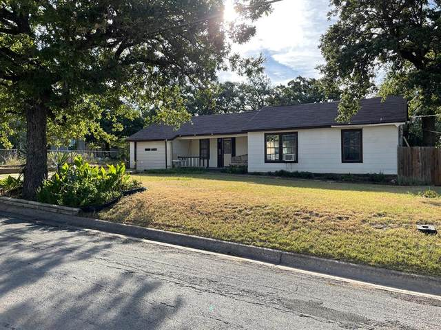 1005 Roberts Street, Bowie, TX 76230 (MLS #14668481) :: Frankie Arthur Real Estate