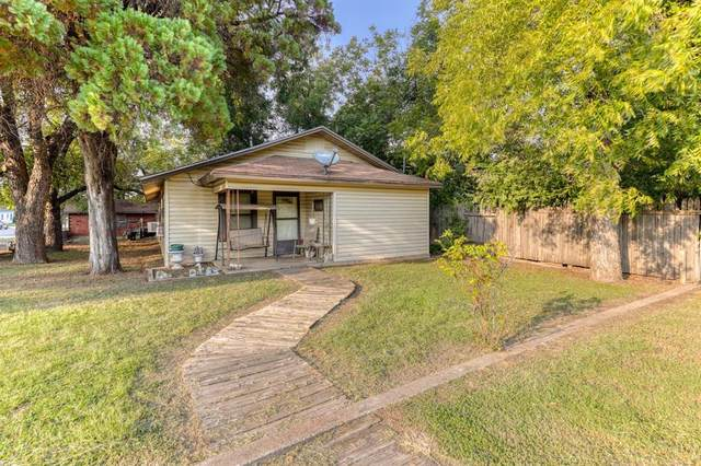 801 SE 19th Street, Mineral Wells, TX 76067 (#14668570) :: Homes By Lainie Real Estate Group
