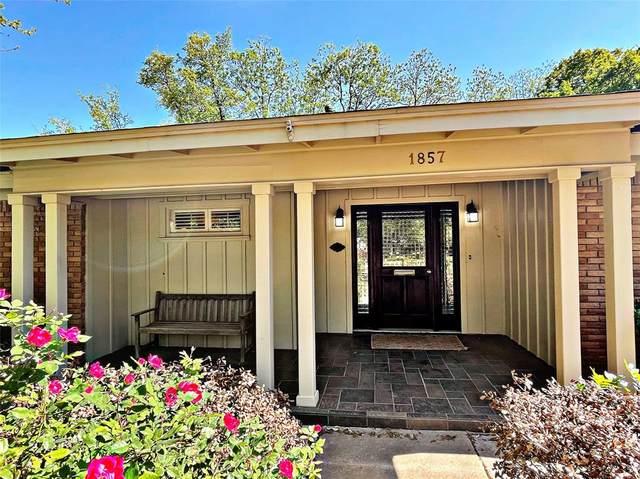 1857 Elmwood Drive, Abilene, TX 79605 (MLS #14668604) :: All Cities USA Realty