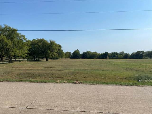 312 Crestview Drive, Red Oak, TX 75154 (MLS #14668812) :: Lisa Birdsong Group | Compass