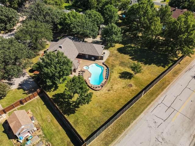 302 Bluff Circle, Highland Village, TX 75077 (MLS #14668815) :: The Rhodes Team