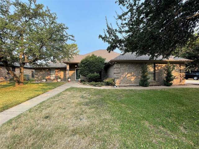 408 Flagstone Drive, Burleson, TX 76028 (MLS #14668858) :: Real Estate By Design