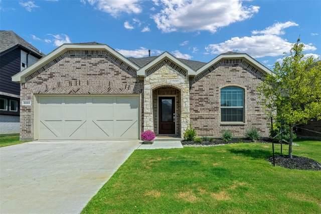 5833 Pensby Drive, Aubrey, TX 76227 (MLS #14668900) :: Real Estate By Design