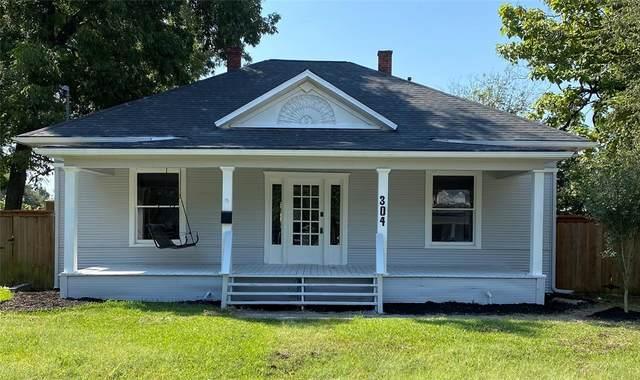 304 E Brin Street, Terrell, TX 75160 (MLS #14669041) :: The Good Home Team